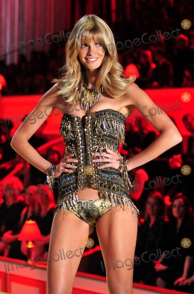 Julia Stegner Photo - Julia Stegner on the runway for the 2010 Victorias Secret Fashion Show held at Lexington Avenue Armory New York NY 111010