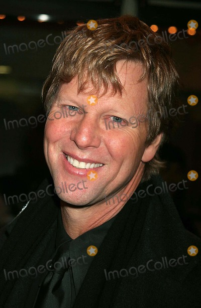 Alan Campbell Photo - Alan Campbell Arriving at the Opening Night of Neil Simons the Odd Couple at the Brooks Atkinson Theatre in New York City on 10-27-2005 Photo by Henry McgeeGlobe Photos Inc 2005