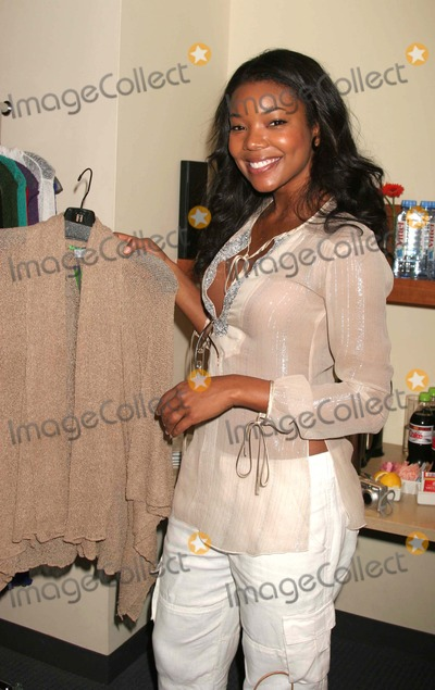 Gabrielle Union Photo - GABRIELLE UNION WITH A PURPLE 7 DESIGN AT THE BROADCAST SUITE-DAY ONE PRESENTED BY W MAGAZINE  THINK PR TO CELEBRATE TELEVISIONSS NEW FALL SEASON AT LE PARKER MERIDIEN IN NEW YORK CITY ON 05-17-2005  PHOTO BY HENRY McGEEGLOBE PHOTOS INC 2005K43305HMcEXCLUSIVE