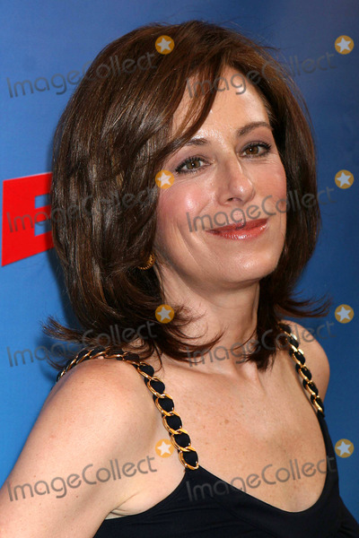 Jane Kaczmarek Photo - Jane Kaczmarek Arriving at the Opening Night of Boeing-boeing at the Longacre Theatre in New York City on 05-04-2008 Photo by Henry McgeeGlobe Photos Inc 2008