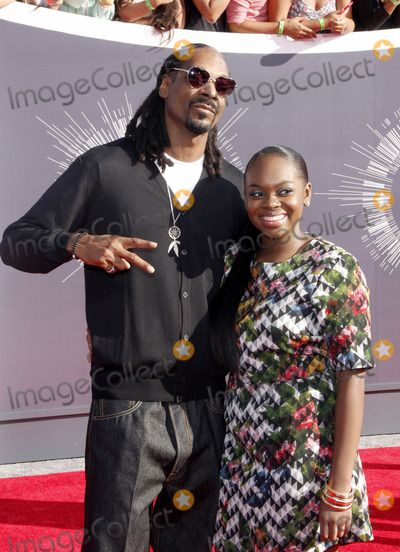 Cori Broadus Photo - Snoop Dogg and Cori Broadus at the 2014 MTV Video Music Awards held at the Forum in Los Angeles on August 24 2014 in Los Angeles California Credit PopularImages