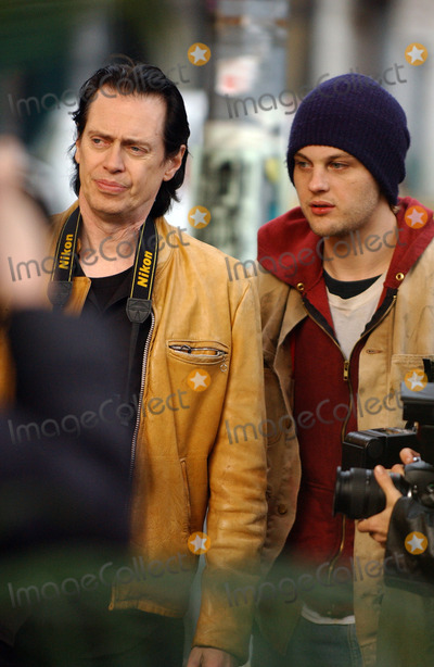 STEVEN BUSCEMI Photo - Steve Buscemi and Michael Pitt on the set of Delirious