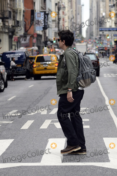 John Mayer Photo - September 18 2012 New York CityEXCLUSIVE COVERAGEMusician John Mayer walks around Soho on September 18 2012 in New York City