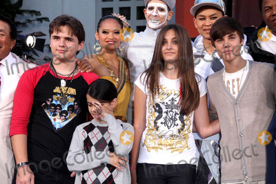 Prince Michael Jackson Photo - Prince Michael Jackson I Blanket Jackson Paris Jackson and Justin Bieber at the Michael Jackson hand and footprint ceremony at Graumans Chinese Theatre on January 26 2012 in Los Angeles