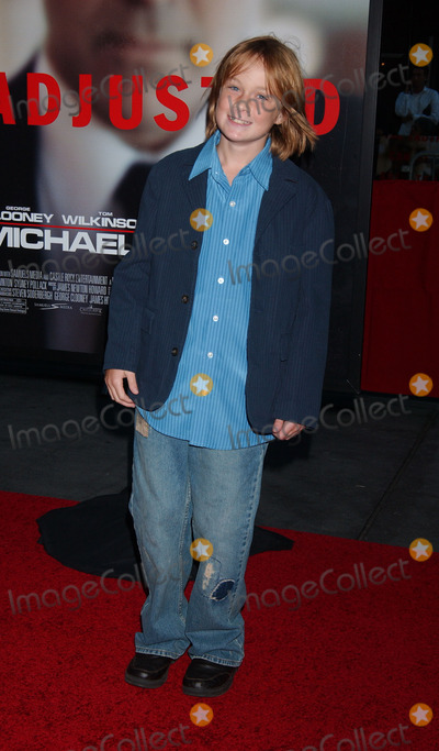 AUSTIN WILLIAMS Photo - Actor Austin Williams arriving at the Michael Clayton premiere at The Ziegfeld Theatre