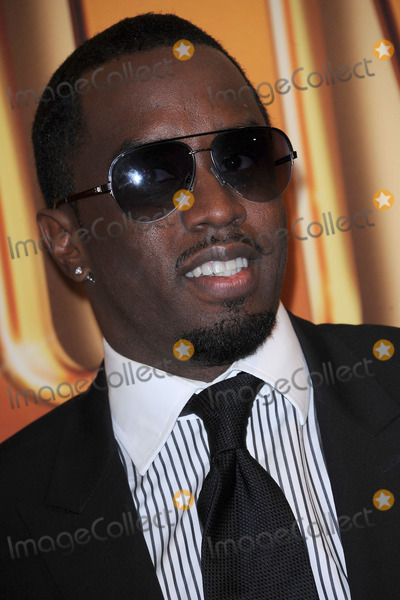 Sean Diddy Combs Photo - Sean Diddy Combs attends the world premiere of Tower Heist at the Ziegfeld Theatre on October 24 2011 in New York City