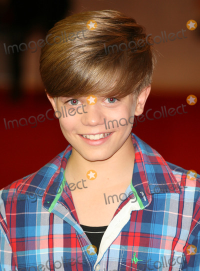 Ronan Parke Photo - Ronan Parke arriving for the UK Premiere of The Three Musketeers at Westfield London 04102011 Picture by Alexandra Glen  Featureflash