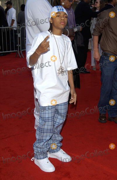 Lil Bow Wow Photo - Singer LIL BOW WOW at the 16th Annual Soul Train Music Awards in Los Angeles20MAR2002   Paul Smith  Featureflash