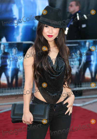 Selina Lo Photo - Selina Lo arriving for the UK premiere of Cowboys  Aliens at the O2 London 11082011  Picture by Alexandra Glen  Featureflash