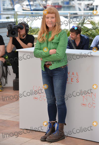 Andrea Arnold Photo - Director Andrea Arnold at the photocall for American Honey at the 69th Festival de CannesMay 15 2016  Cannes FrancePicture Paul Smith  Featureflash