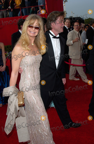 Goldie Hawn Photo - GOLDIE HAWN  KURT RUSSELL at the 73rd Annual Academy Awards in Los Angeles25MAR2001   Paul SmithFeatureflash