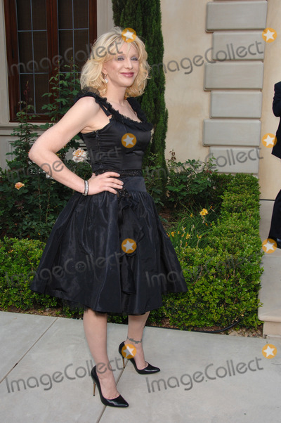 Courtney Love Photo - Actresssinger COURTNEY LOVE at Chrysalis Fifth Annual Butterfly Ball at a private villa in Bel Air Chrysalis is a non-profit organization dedicated to helping the homelessJune 10 2006  Los Angeles CA 2006 Paul Smith  Featureflash