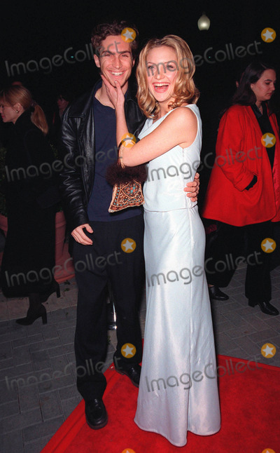Goldie Photo - 10FEB99  Actress KATE HUDSON (daughter of Goldie Hawn)  brother OLIVER at the premiere of her new movie200 Cigarettes a comedy set in New York on New Years Eve 1981 Paul SmithFeatureflash