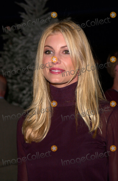 The Grinch Photo - Singer FAITH HILL at the world premiere at Universal City of Dr Seuss How The Grinch Stole Christmas08NOV2000   Paul Smith  Featureflash