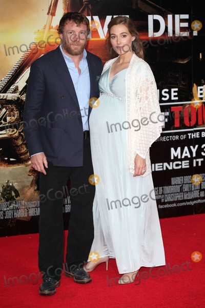 GUY RICHIE Photo - Guy Richie and Jacqui Ainsley arriving at the premiere of Edge Of Tomorrow at the IMAX London 28052014 Picture by Alexandra Glen  Featureflash