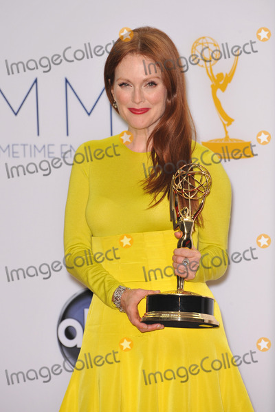 Julianne Moore Photo - Julianne Moore at the 64th Primetime Emmy Awards at the Nokia Theatre LA LiveSeptember 23 2012  Los Angeles CAPicture Paul Smith  Featureflash