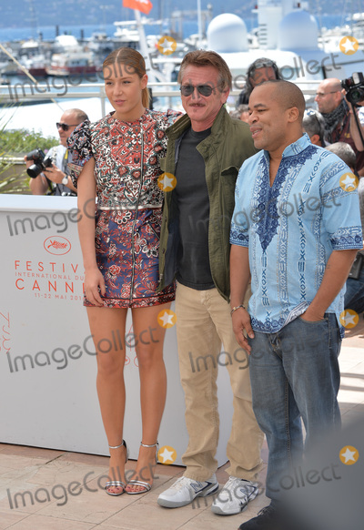 Adele Exarchopoulos Photo - Actors Adele Exarchopoulos Zubin Cooper  director Sean Penn at the photocall for The Last Face at the 69th Festival de CannesMay 20 2016  Cannes FrancePicture Paul Smith  Featureflash