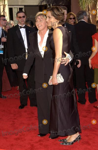 Ellen Degeneres Photo - ELLEN DEGENERES  date at the 2002 Emmy Awards in Los Angeles22SEP2002  Paul Smith  Featureflash
