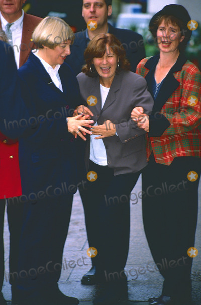 Celia Imrie Photo - LondonUK  Library Victoria Wood with Julie Walters and Celia Imrie at the press launch of Dinnerladies  TV series in 1998  Victoria Wood Obituary ReCaptioned 20th April 2016 RefLMKPIP11-LIB200416-001 People in Pictures-Landmark Media WWWLMKMEDIACOM