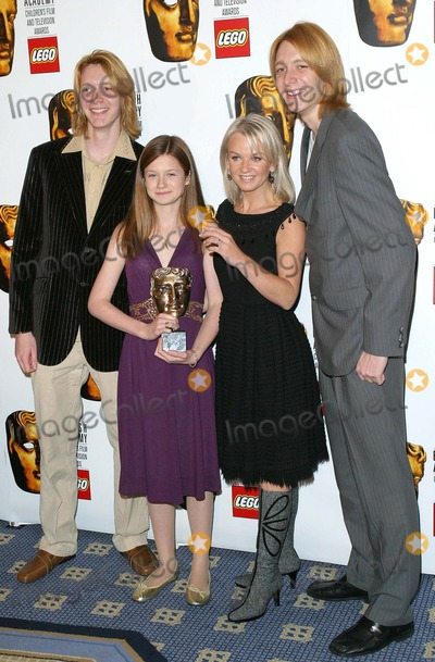 Oliver Phelps Photo - London Oliver Phelps Bonny Wright Lisa Maxwell (The Bill) and James Phelps at the BAFTA Childrens Film and Television Awards held at the London Hilton28 November 2004Paulo PirezLandmark Media