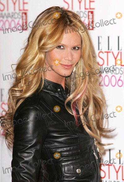 Elle Macpherson Photo - London Elle MacPherson at the Elle Style Awards held at the Atlantis Gallery Old Truman BreweryJanuary 20 2006Paulo PirezLandmark Media