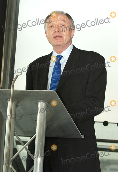 Ken Livingstone Photo - London Ken Livingstone at his weekly press conference held at City Hall  The conference focussed on the anti-semiticism accusation against the journalist representing the Evening Standard22 February 2005Ali KadinskyLandmark Media