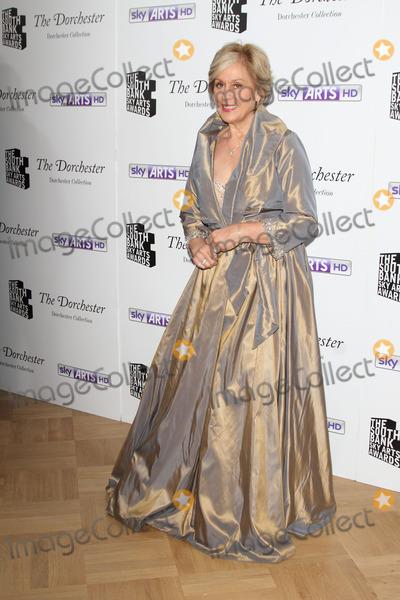 Kiri Te Kanawa Photo - London UK Dame Kiri Te Kanawa   at the  South Bank Sky Arts Awards Press room  at the Dorchester Hotel Park Lane on 27th January  2014  RefLMK73-46488-280114 Keith MayhewLandmark Media WWWLMKMEDIACOM