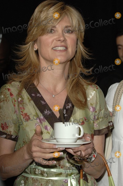 Anthea Turner Photo - London UK Anthea Turner attend launch of supermarkets bargain fashion line at debut catwalk show in central London 24th April 2007  Ali KadinskyLandmark Media