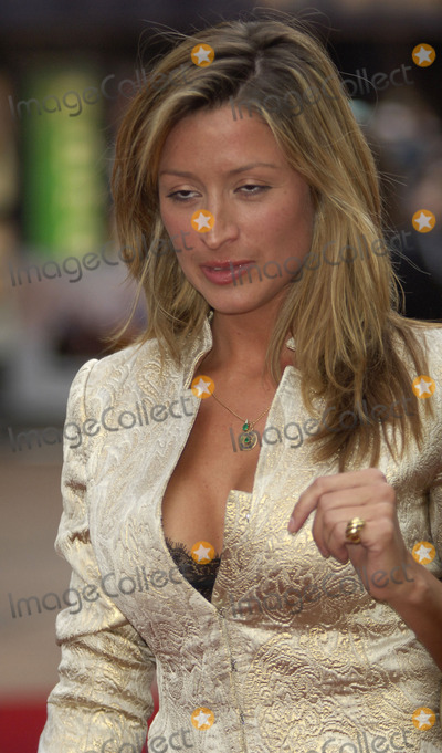 Rebecca Loos Photo - London UKCelebrity Love Island star Rebecca Loos at the premiere of  You Me  Dupree at the Odeon Leicester SquareLondonUK 22 August 2006Gio DAngelicoLandmark Media