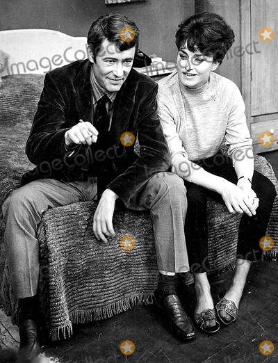 Peter O Toole Photo - Peter Otoole and Barbara Jefford on the Set of His New Play Ride a Cock Horse 1965 Supplied by Globe Photos Inc Peterotooleretro