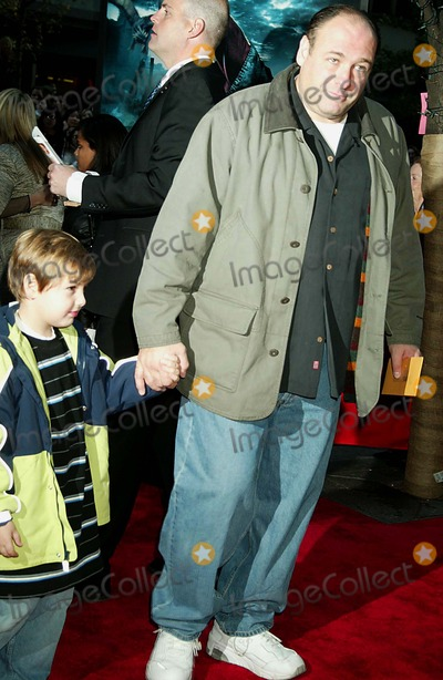 Oliver Phelps Photo - the Premiere of Harry Potter and the Goblet of Fire at the Ziegfeld Theatre New York City 11-12-2005 Photo Sonia Moskowitz-Globe Photos Inc 2005 James Gandolfini James Phelps Oliver Phelps