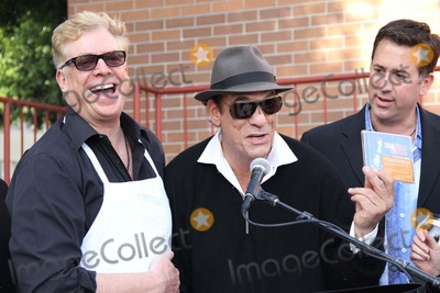 Robert Davi Photo - Hollywood Chamber of Commerce 17th Annual Police  Fire Bbq Hollywood Community Police Station Hollywood CA 11302011 Robert Davi and Christopher Mcdonald Photo Clinton H Wallace-photomundo-Globe Photos Inc
