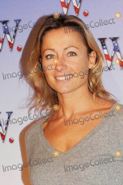 Anne-Sophie Lapix Photo - Anne Sophie Lapix K60148 Premiere of the Film W Improbable President at Gaumont Marignan  Paris 10-21-2008 Photo by Fay Alexandre-pix Planete-Globe Photos Inc