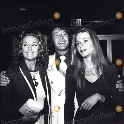 Michael Cole Photo - Michael Cole Paula Dickinson Kelly Peggy Lipton A1488 Supplied by Globe Photos Inc