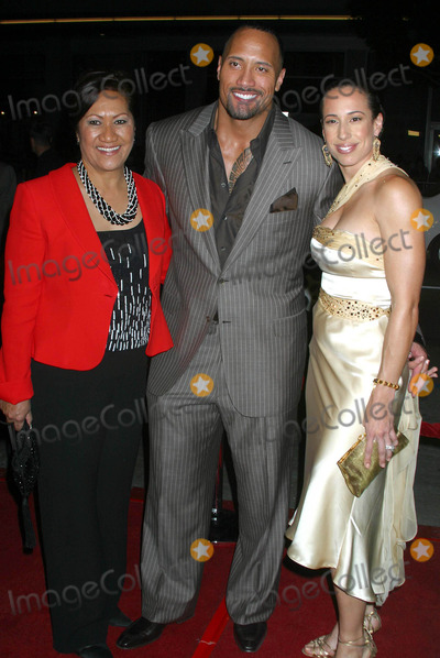 Ata Johnson Photo - Walking Tall World Premiere at Graumanns Chinese Theatre Hollywood California 032904 Photo by Clinton HwallaceipolGlobe Photos Inc2004 Ata Johnson- the Rocks Mom Dwayne Johnson Aka the Rock and His Wife