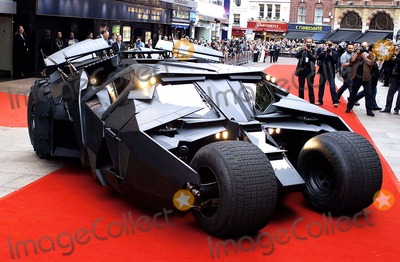 Batmobile Batman Photo - Batmobile Batman Begins European Premiere-odeon Leicester Square London Uk 6-12-2005 Photo Byhenry Davenport-globelinkuk-Globe Photos Inc 2005