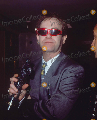 Elton John Photo - Elton John at Ivor Novello Awards 4-7-1986 Photo by Uppa-ipol-Globe Photos Inc