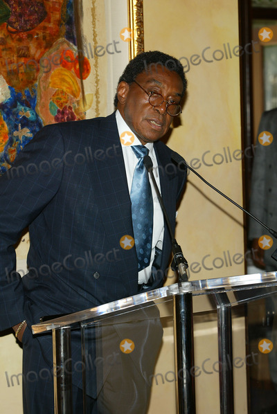 Don Cornelius Photo - Lady of Soul Nominations Held at Spago Resturant in Beverly Hills CA Don Cornelius Photo by Fitzroy Barrett  Globe Photos Inc 7-23-2002 K25591fb (D)