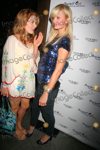 Amanda Rowan Photo - Project E Presents Feed the Models Save the World Charity Event Parc Restaurant Hollywood CA 07-24-2007 Paris Hilton and Amanda Rowan Photo Clinton H Wallace-photomundo-Globe Photos Inc