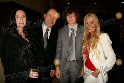 Alex Hughes Photo - - Exclusive a Tribute to Christopher  Dana Reeve - Cocktail Reception Beverly Hilton Hotel Beverly Hills CA 09-27-2006 Janice Goldfinger Billy Crystal Alex Hughes and Suzanne Hughes Photo Clinton H Wallace-photomundo-Globe Photos Inc