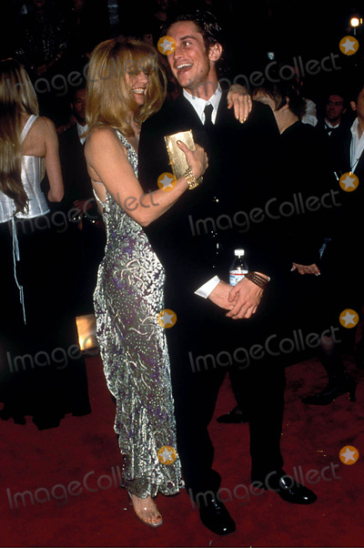 Goldie Hawn Photo - 14th Annual American Comedy Awards at the Shrine Auditorium LA 02062000 Photo Fitzroy Barrett Globe Photos Inc 2000 Goldie Hawn and Oliver Hudson
