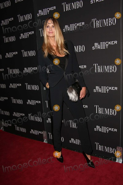Elle Macpherson Photo - Elle Macpherson attends a Special Screening of Trumbo the Museum of Modern Art Titus 2 NYC November 3 2015 Photos by Sonia Moskowitz Globe Photos Inc