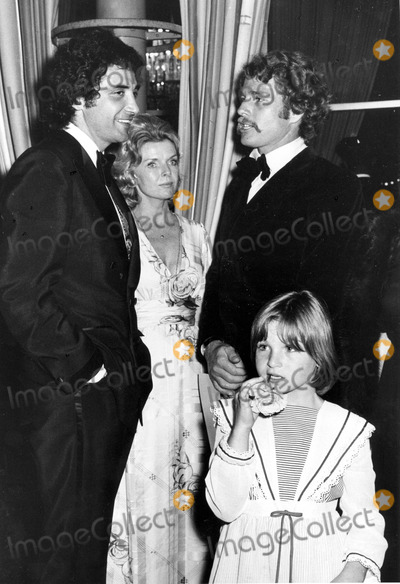 Jeanne Martin Photo - Ryan Oneal Wtih Frank Calgagnini Jeanne Martin and Tatum Oneal Photo by Phil RoachipolGlobe Photos Inc