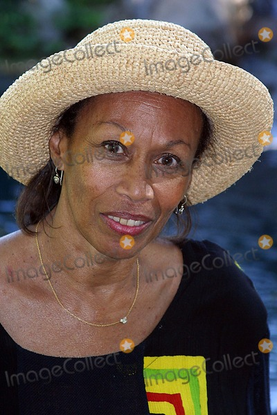 Altovise Davis Photo - Hugh Obriens 80th Birthday Celebration Benedict Canyon Beverly Hills CA 06-23-2005 Photo ClintonhwallacephotomundoGlobe Photos Inc Altovise Davis - Widow of Sammy Davis Jr