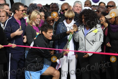 Tracy Chapman Photo -  DROZELIZABETH BANKS TRACY CHAPMAN MARY JBLIGEOPRAH WINFREYJENNIFER HUDSONat O the Oprah Magazine Celebrates its 10thAnniversary with a charity walk Oprah WinfreyLive Your Best Life Walk Starting at Pier 86 the Intrepid   05-09-2010Photo by John BarrettGlobe Photos INC2010K64749JBB