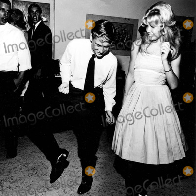 Hayley Mills Photo - Michael Douglas and Hayley Mills 8281962 C667-2 Globe Photos Inc