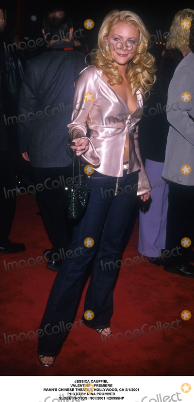Jessica Cauffiel Photo - Jessica Cauffiel Valentine - Premiere Manns Chinese Theater Hollywood CA 212001 Photo by Nina Prommer Globe Photos Inc2001