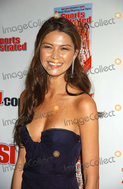 Aline Nakashima Photo - Sports Illustrated Swimsuit Issue - Press Conference Crobar-nyc 021406 Photo by Ken Babolcsay-ipol-Globe Photos Inc 2006 I10484kba Aline Nakashima
