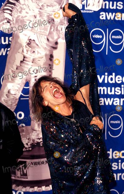 Aerosmith Photo - Sd0909 99 Mtv Video Music Awards Metropolitan Opera House New York City Steven Tyler (Aerosmith) Photo Alec Michael  Globe Photos Inc