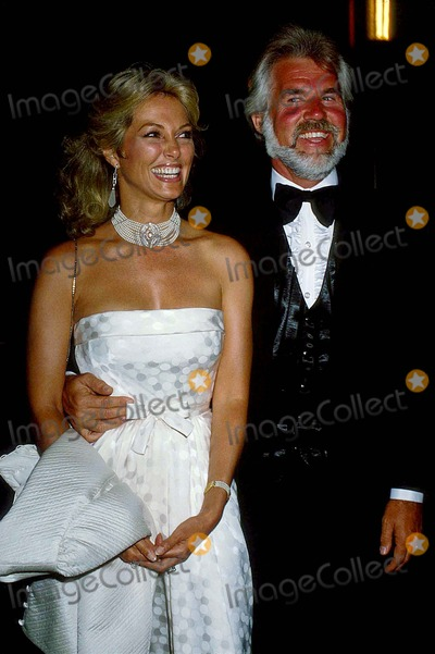 Kenny Rogers Photo - Kenny Rogers with His Wife Marianne Gordon 1982 12358 Photo by Phil Roach-ipol-Globe Photos Inc